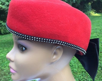 5a9bf53a01bbd Vintage red Felted Wool Hat with satin bow