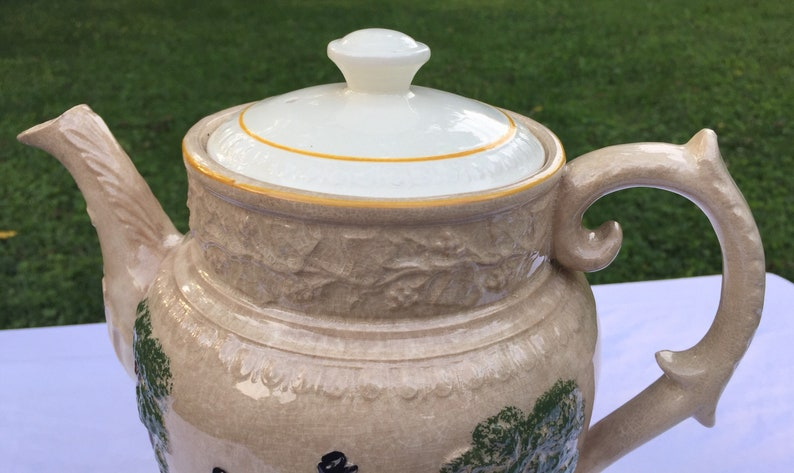 English pottery. hunt tea pot Antique T.G Green /& co Church Gresley Old Canterbury