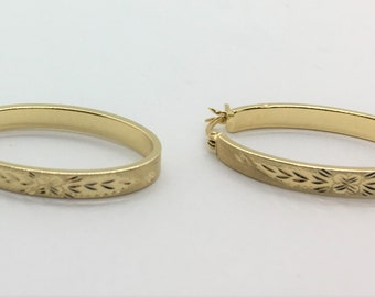 14k Solid Gold Vintage Oval Hoop Etched Earrings Estate Latch Back