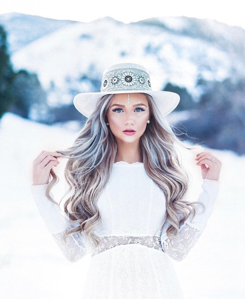 Boater suede hat Sofia ivoryblack color