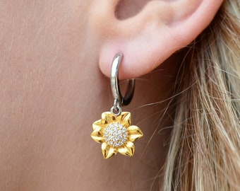 Sunflower Sterling Silver And Gold Earrings - Mami Te Queremos Mucho Message