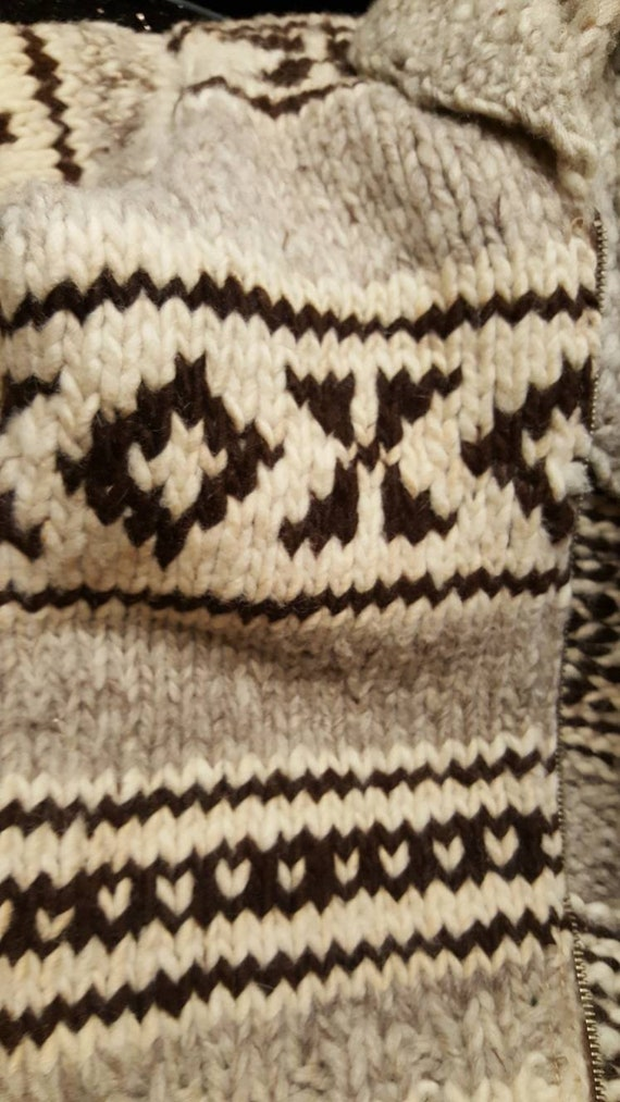 Vintage 30s authentic  Cowichan raw wool  british