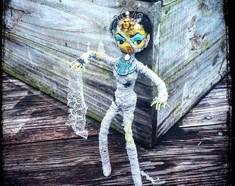 Mummy Nefetiara Pharoah Horror Big Eyes Pose doll Monster Dollie