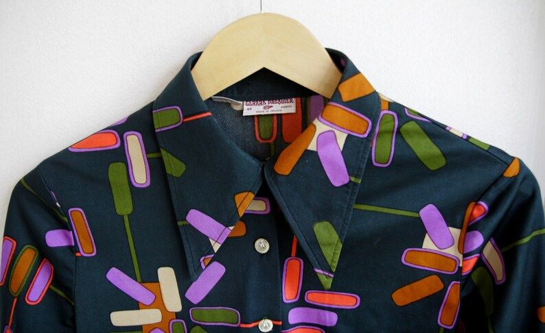 Made in France Vintage 70s Wonderful Blouse  shirt Vintage Unisex Graphic patterns 70s desaturated colors Size M