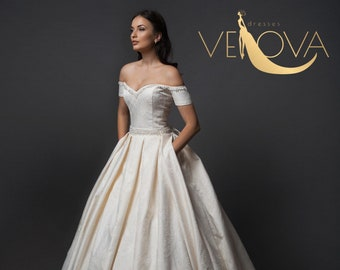 Unique wedding dress  dd95abbe34c4