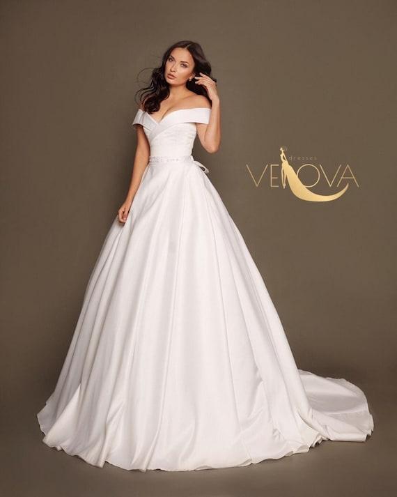 Off Shoulder Wedding Dress Simple