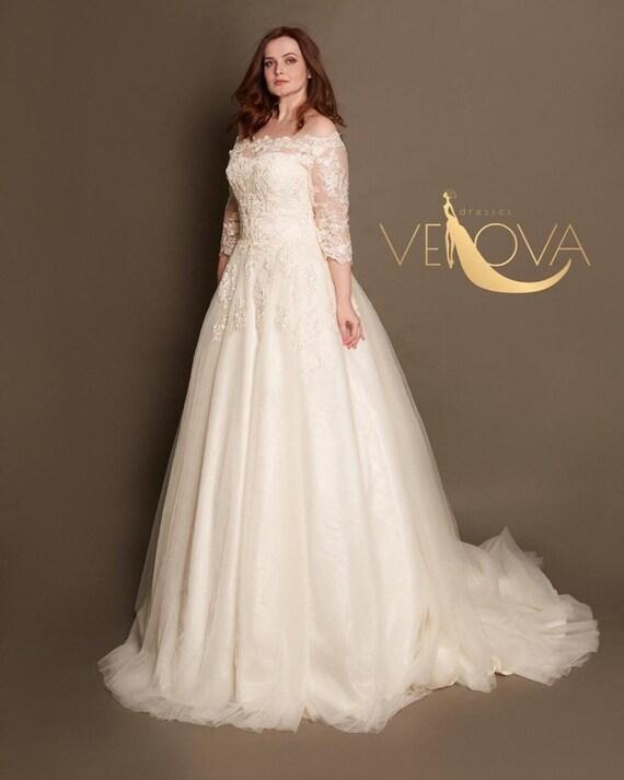 Plus Size Wedding Dress Long Sleeve Lace Wedding Dress, Modest Wedding  Dress, Tulle Wedding Dress