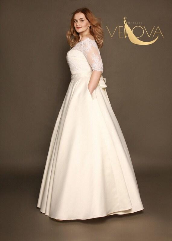 Plus Size Lace Wedding Dress Sleeve