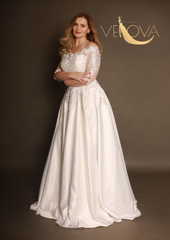 Long Sleeve Lace Wedding Dress, Plus Size Wedding Dress, Colored Wedding  Dress Sleeves, Unique Wedding Dress
