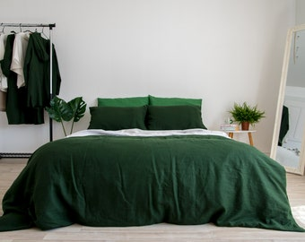 """/""""Isabella/"""" Hunter Green Floral BEDSPREAD available all sizes"""