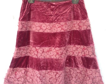Vintage skirt with embroidery stripe flora | size 40 / medium