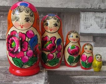 Nesting Russian dolls 5 piece maydan design matryoshka gifts for her