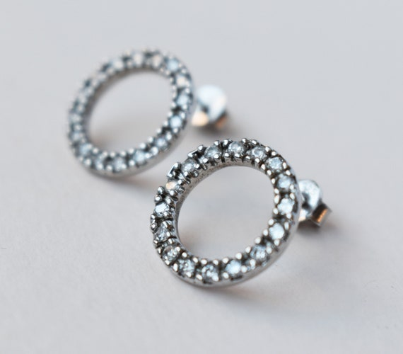 Small Minimalist Hoop Earrings Small Studs Silver Circle Stud Earrings Smooth Or Hammered Sterling Silver Open Circle Studs