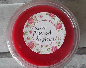 Sun Ripened Raspberry scented soy wax pot. 2oz