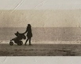 The woman and child on beach 0157P5MIN1