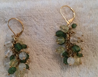 Vintage Jewelry Dangle Pierced Earrings Green and White Beads on Gold Tone Chains