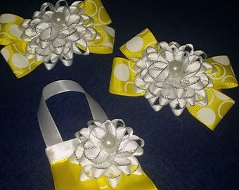Set/Small Handmade Hair Accessories With A Matching Pinned Purse Corsage