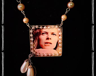 Aylesbury Hunky Dory Bowie Pearl OOAK Miced Media Necklace