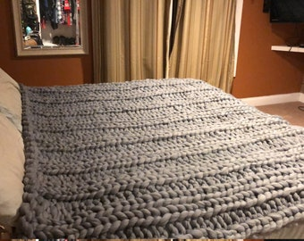 Bulky yarn blankets