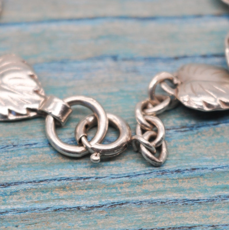 Vintage 925 Sterling Silver Floral Link Bracelet.