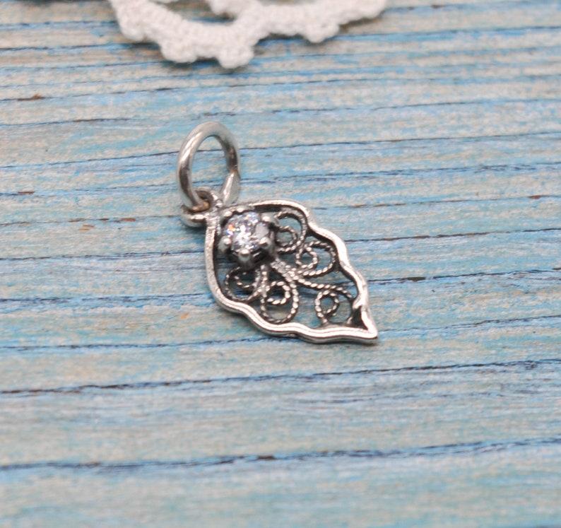 Vintage Filigree 925 Silver Necklace Pendant with Rhinestone.