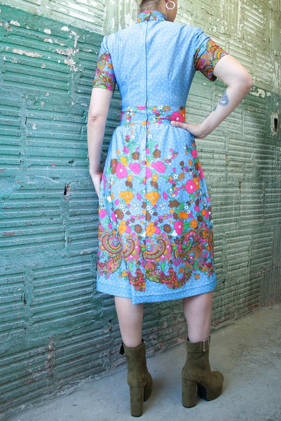 1970's Vintage Psychedelic Midi Dress With floral… - image 2