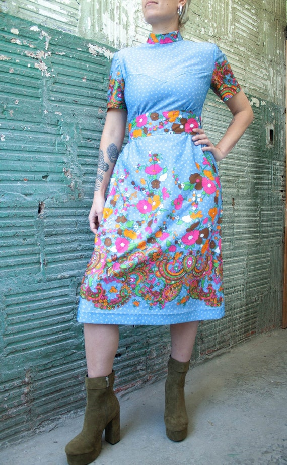 1970's Vintage Psychedelic Midi Dress With floral… - image 1