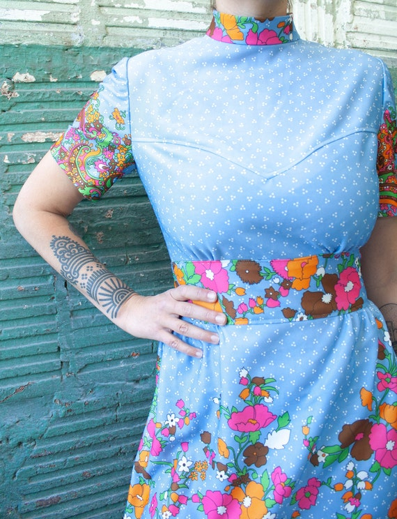 1970's Vintage Psychedelic Midi Dress With floral… - image 3