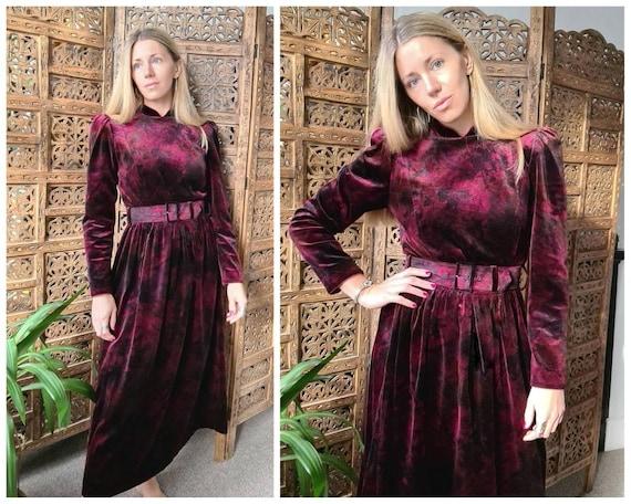 Vintage Origin Velvet Belted Dress in a warm plum/