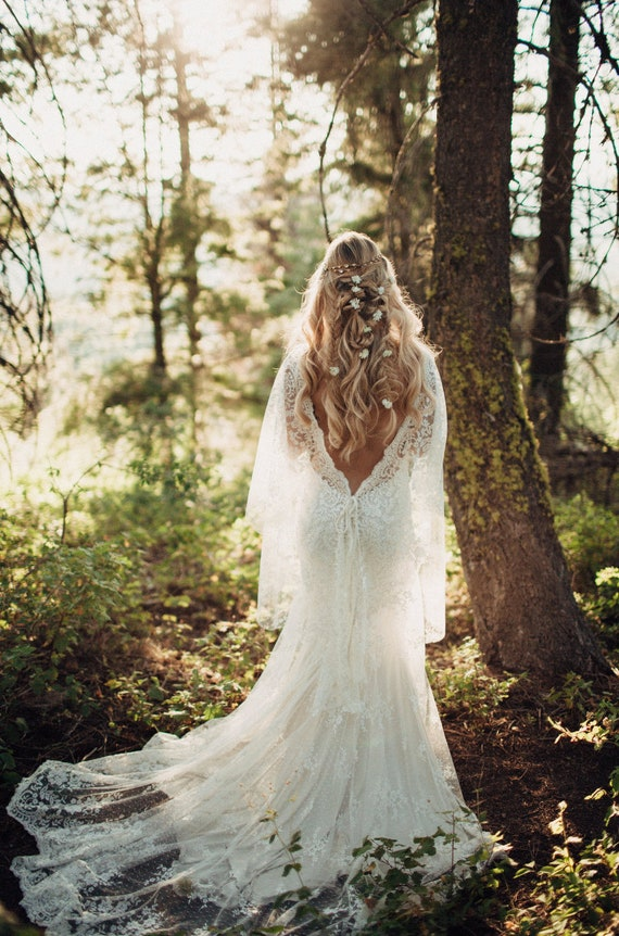 Form Fitted Wedding Dress Low Back Wedding Dress Bohemian Wedding Dress Lace Wedding Dress Ethereal Wedding Dress Beach Wedding Dress