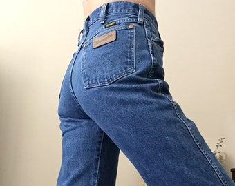 da4376b3 Vintage Wrangler High Waist Jeans Made in USA