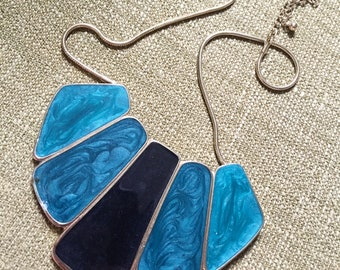 Necklace of the ocean
