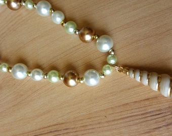 White Shell Glass Dream Necklace
