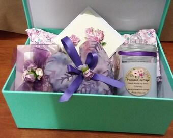 Lavender pamper gift box