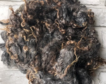 100g undyed washed grey Wensleydale fleece