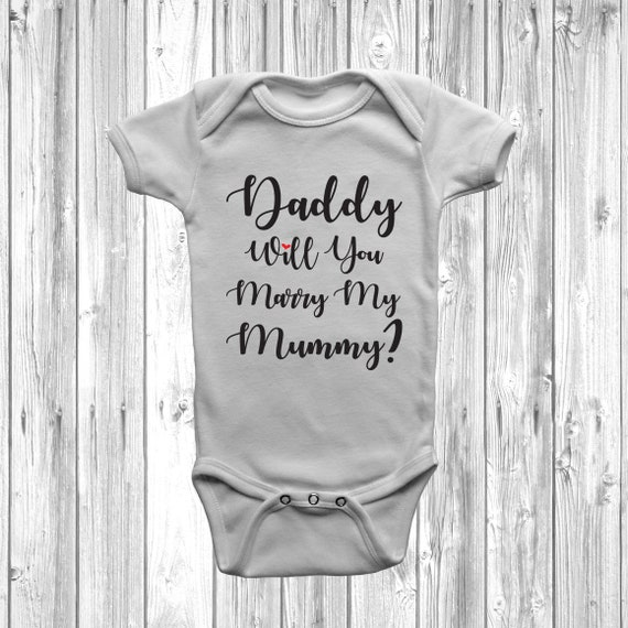 MUMMY WILL YOU MARRY DADDY PROPOSAL CUTE VALENTINES DAY BABY BODY VEST BABY GRO