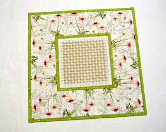 Cottage Chic Table Topper Quilted Patchwork Square Table Runner Floral Summer Lacy Dining Room Decoration Cotton Linen Table Centerpiece