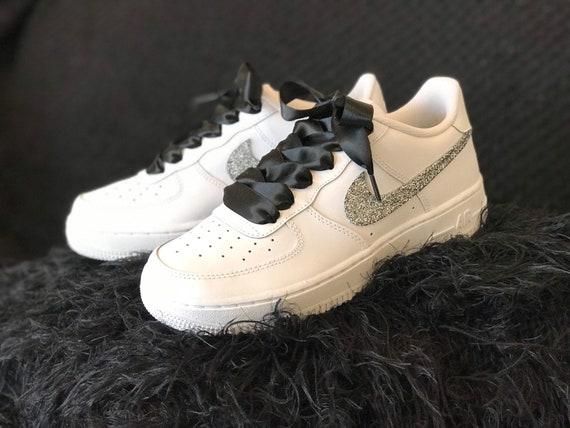 Geschenke in Hülle und Fülle Nike 'Weiß' Nike Air Force 1