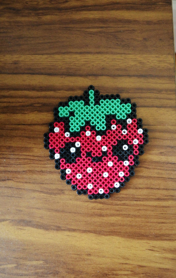 Fraise Kawaii En Perles Hama Cute Kawaii Strawberry In Hama Beads