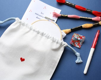 Embroidery kit - Learn to embroider hearts - beginner embroidery - DIY kit - DIY gift - filling point