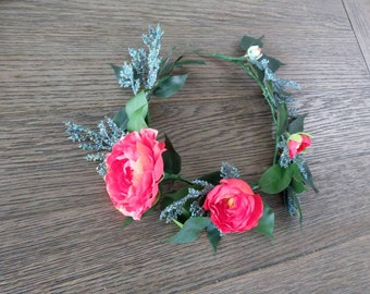 Head wreath red rose