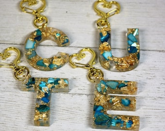 Personalized Blue Crushed Seashell Gold Foil Letter Resin Keychain, Alphabet School Bag Fun Clip On, Valentines Day Gift for Her