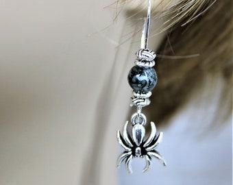 Spider Dangling Bead Earrings, Creepy Costume Accessory Halloween Party Jewelry, Spooky Trick or Treat Earrings, Gift for Her