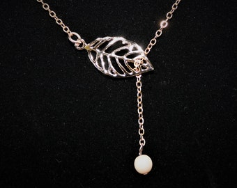 Gold leaf lariat necklace with Satin White Pearl