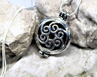 EO Diffuser Pendant 30 mm, Aromatherapy Locket, Hang Anywhere Diffuser, Essential Oils Jewelry, Gift for Her,