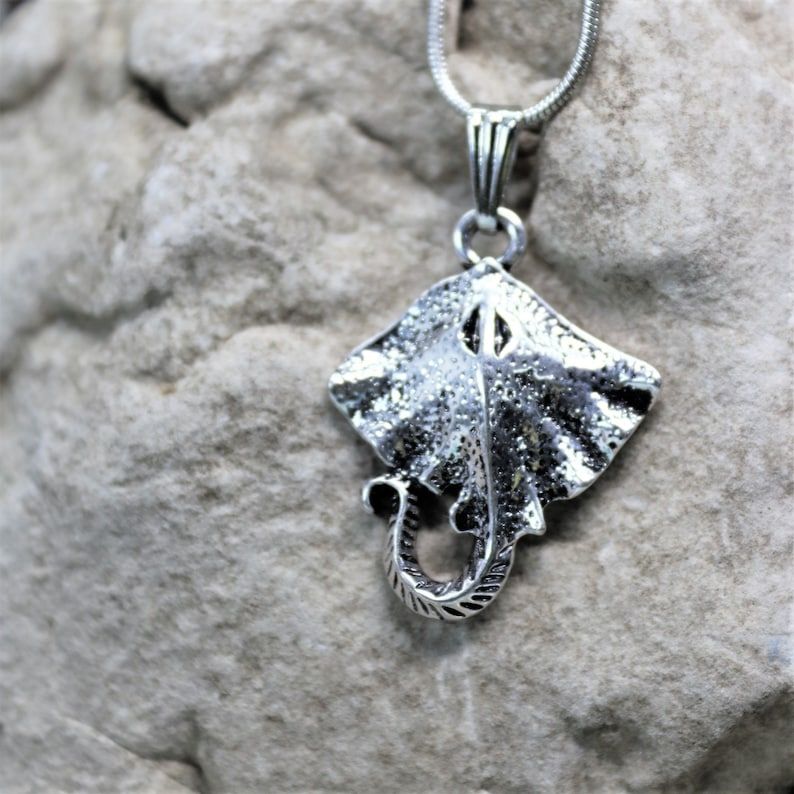 Gift for Beach Lover Unique Gift for Her or Him Sealife Pendant Stingray Charm Necklace Ocean Scuba Diver Jewelry