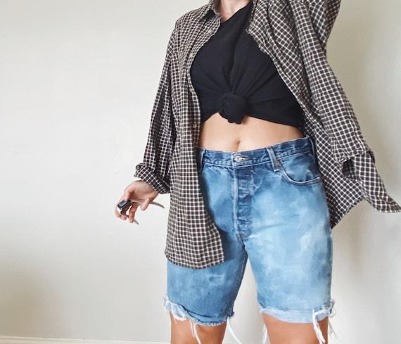 Vintage Levis Shorts / Distressed Levis / Bermuda