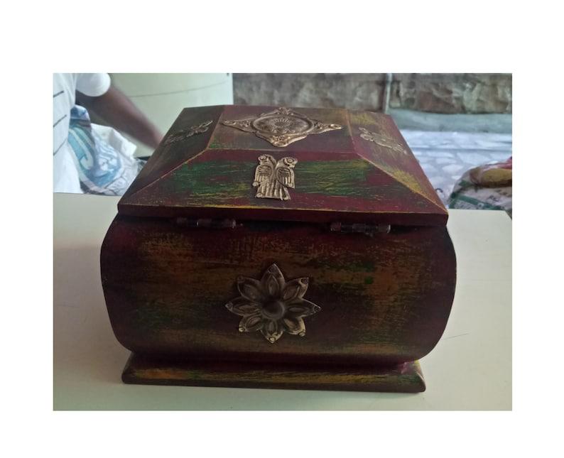 Small Jewelry Box Brass Fitted Box Trinket jewelry Storage Box Old Wooden Box Jewelry Box Keep Sake Home Decor Collectible Indian Art