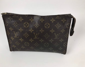 27f0787aa4dc Vintage French Co Louis Vuitton Travel Cosmetic Clutch Pochette