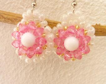Pink flower beaded earrings, floral earrings, bead earrings, Pearl and pink colour beads.